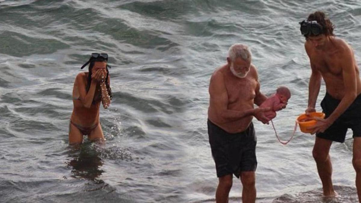 Nữ du khách sinh con theo phương pháp tự nhiên ngay trên Biển Đỏ (Ai Cập)