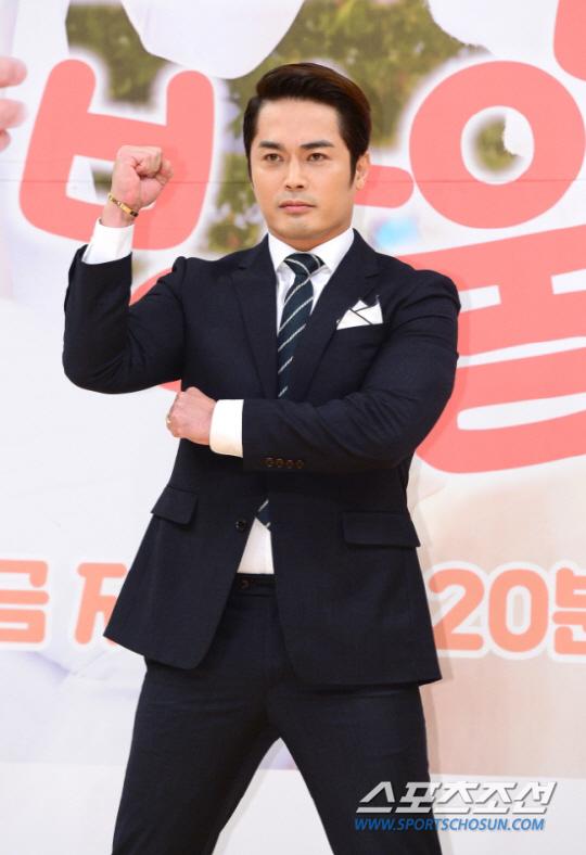 Nam diễn viên Hàn Quốc bỏ trốn sau khi quỵt tiền đám cưới và lừa đảo gần 6,5 tỷ đồng