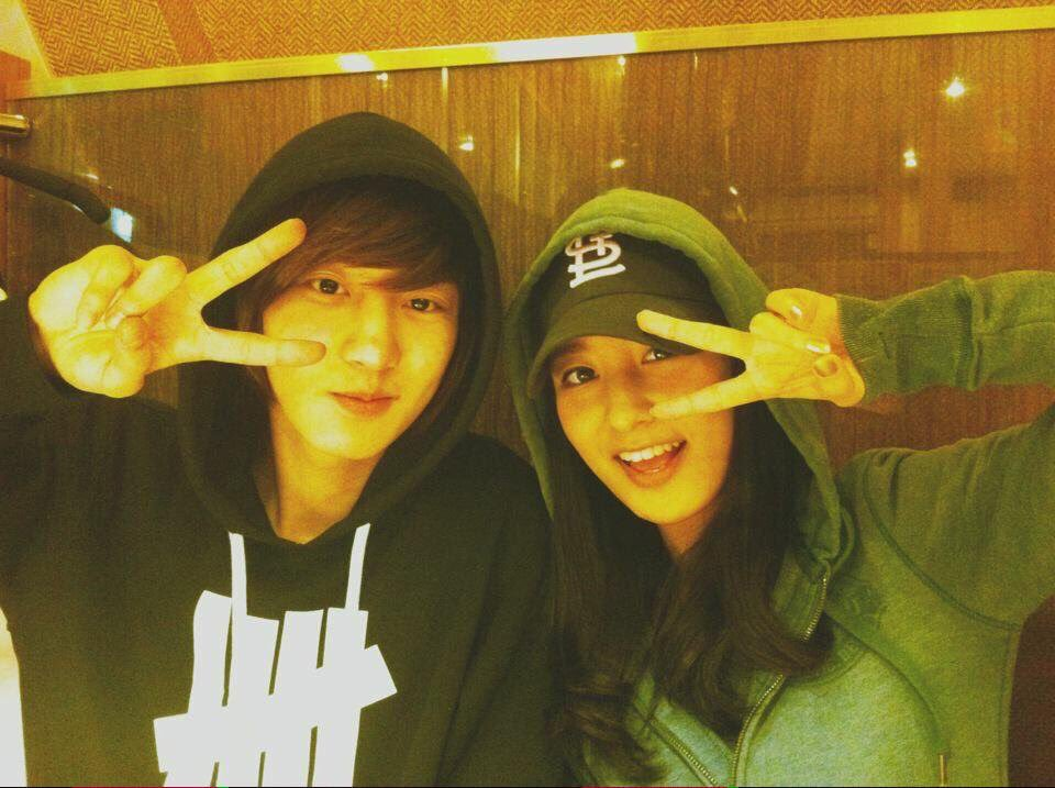 Chân dung anh chị em ruột của EXO qua những bức ảnh hiếm hoi và 'thông tin mật' fan 'săn' được
