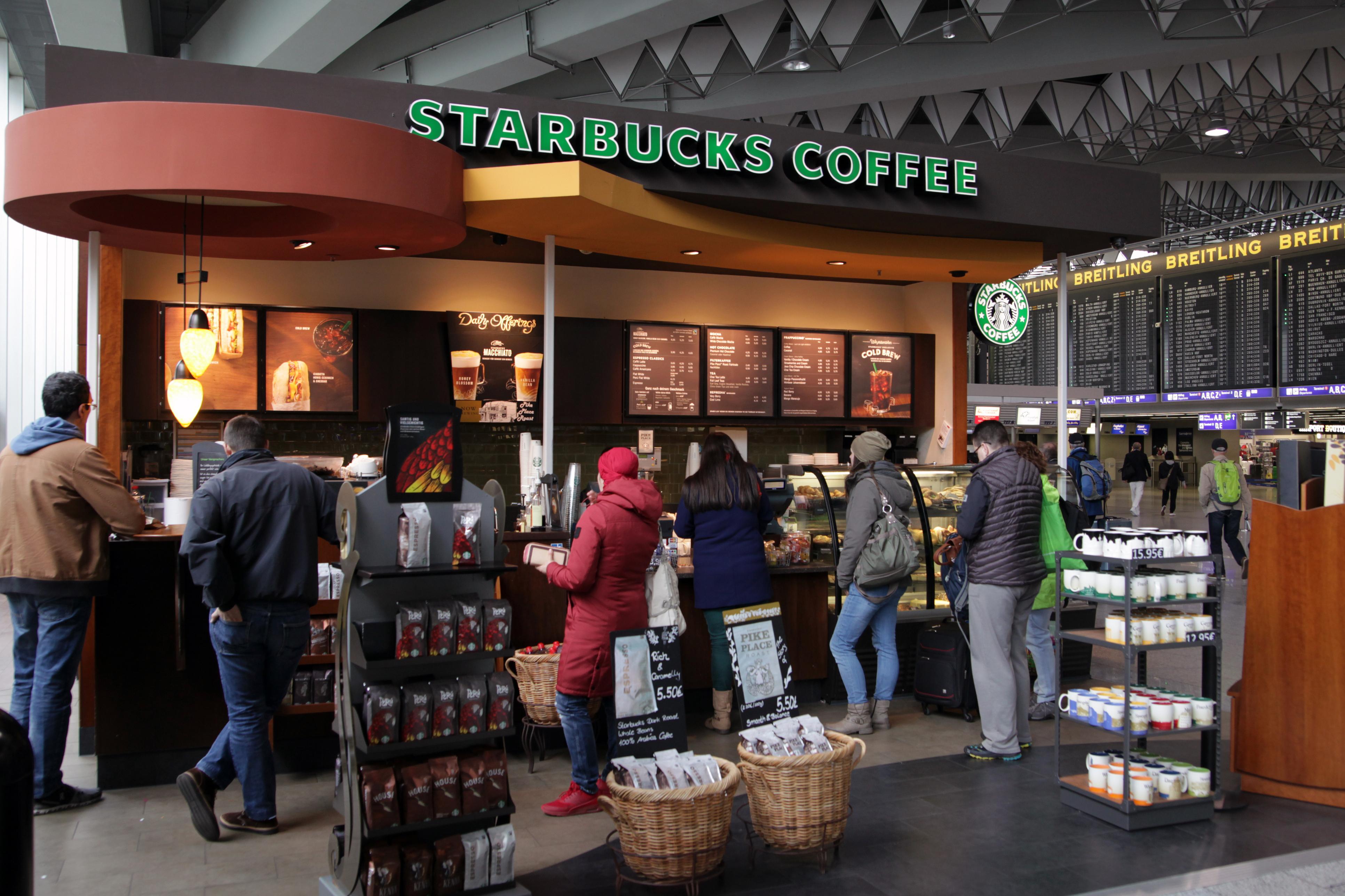 Các quán cà phê tại bang California, Mỹ bị buộc treo bảng cảnh báo gây ung thư
