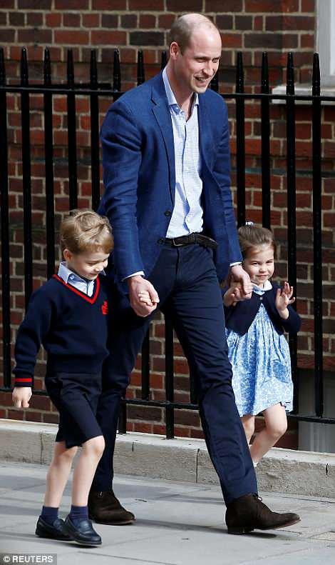 Công chúa nhỏ Charlotte của Hoàng gia Anh 'chinh phục' cả thế giới chỉ bằng một hành động