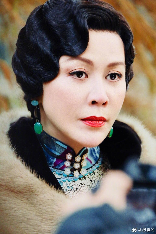 [SAO CHẶT CHÉM] Lưu Gia Linh đáp trả đúng chất 'Chị đại' khi bị đàn em 'tố' khai man tuổi tác