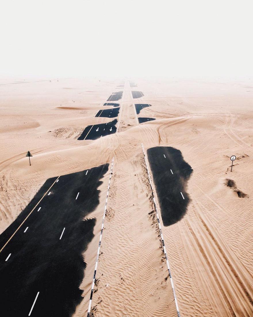 Ngắm loạt ảnh như trong phim khi sa mạc xâm chiếm cao tốc ở Dubai và Abu Dhabi