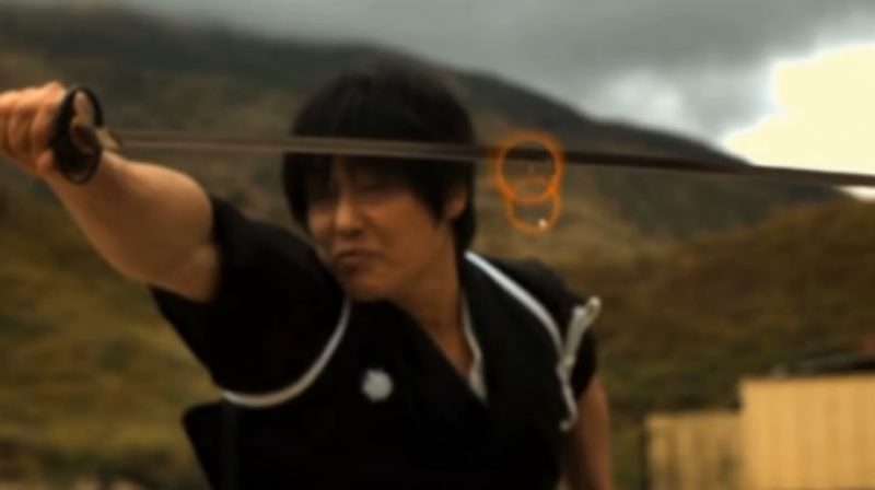 Deadpool phiên bản Nhật: Dùng kiếm... chẻ đôi viên đạn đang bay với vận tốc 200km/h