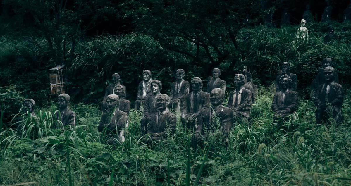 Công viên bỏ hoang Nhật Bản với hơn 800 bức tượng cười bí hiểm khiến bạn bất giác nổi da gà