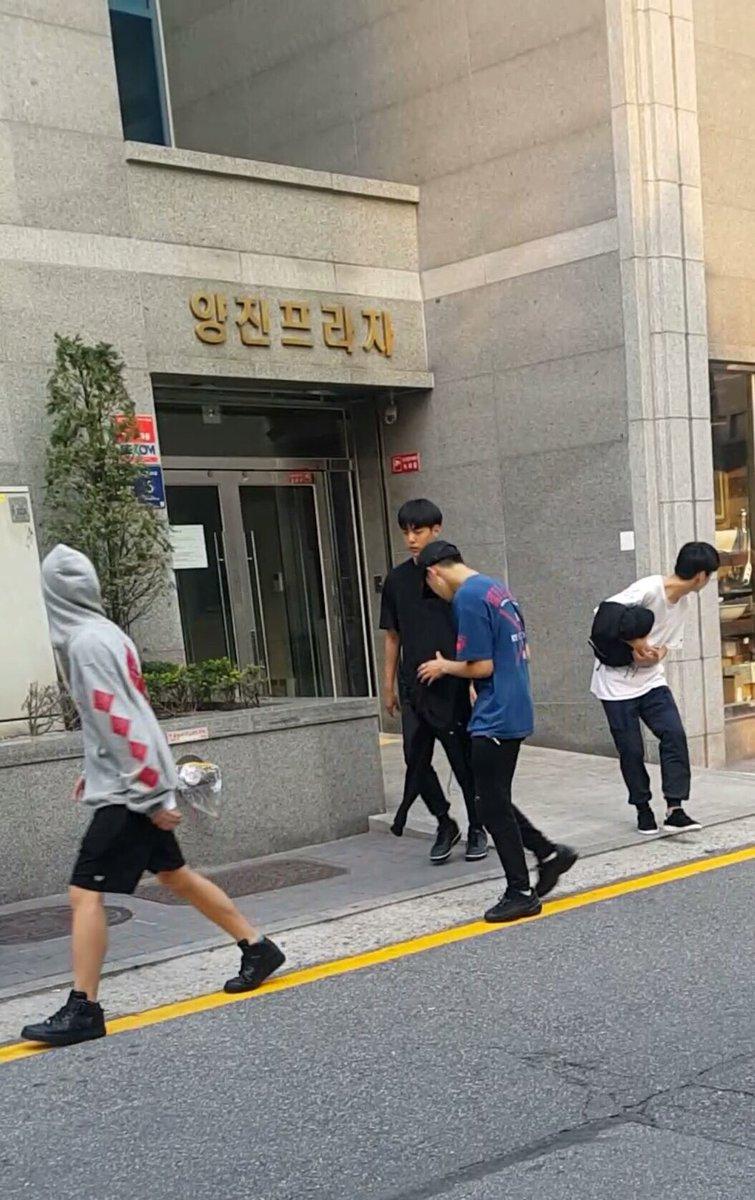 Những hình ảnh hiếm hoi về 'nhóm nhạc đàn em' của BTS, Bighit xác nhận sẽ ra mắt đầu năm sau