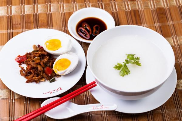 Ăn cháo trong bữa sáng - Thói quen ẩm thực tốt đẹp ở các nước châu Á