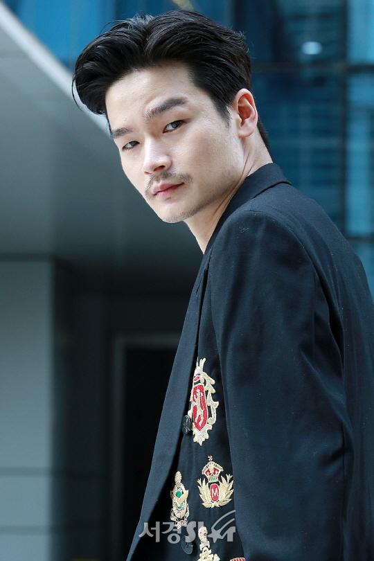 Từng khoe bạn trai mình đẹp như Lee Jong Suk, Cheetah 'muối mặt' khi bị khui ảnh người yêu