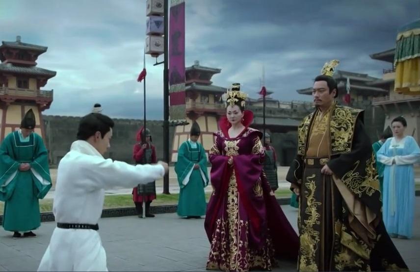 'Đông Cung': Nam chính được 'tẩy trắng', cảnh hôn đầu tiên và những cải biên so với nguyên tác