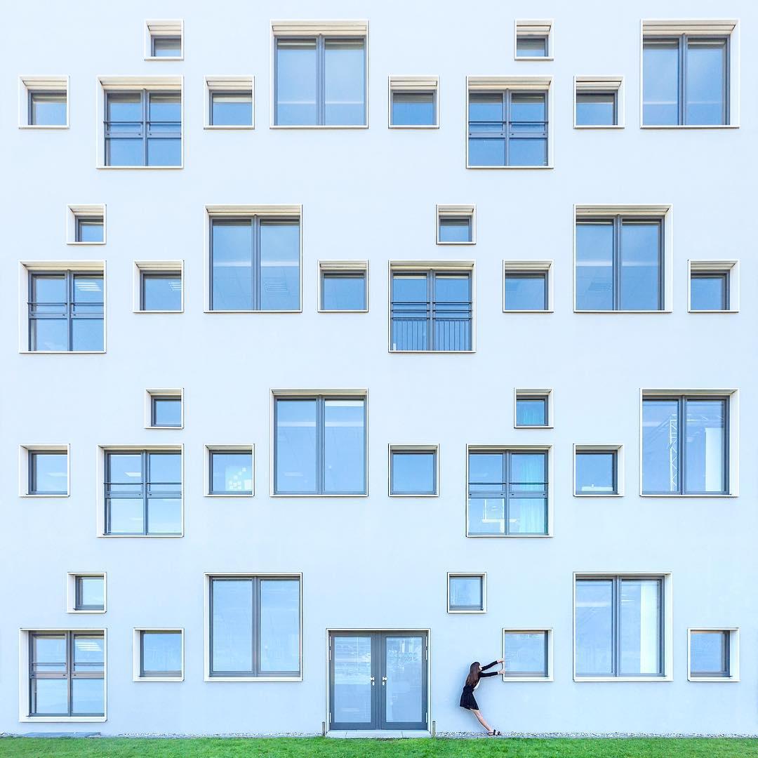 Cặp đôi đáng yêu chu du khắp thế giới để 'chơi đùa' cùng các công trình kiến trúc