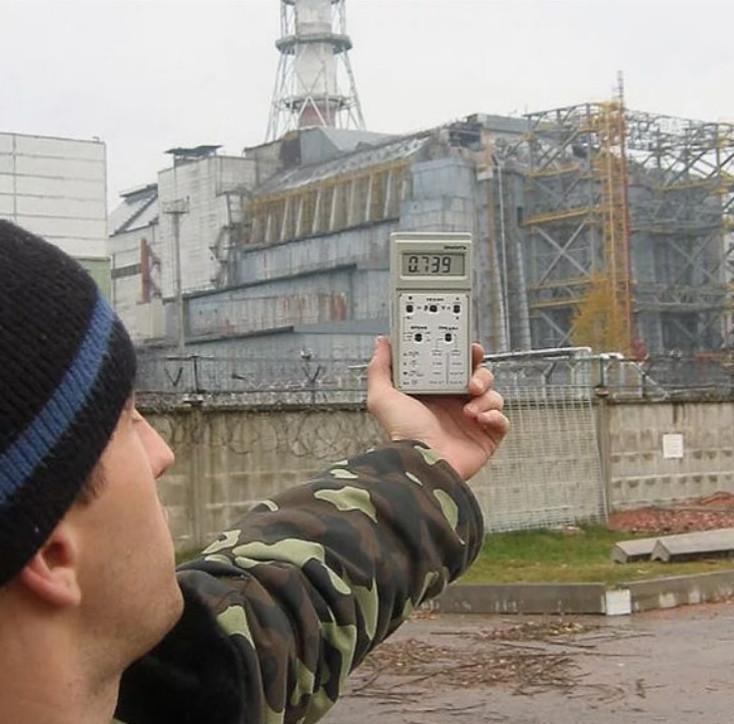Trai thanh gái lịch lũ lượt kéo đến Chernobyl selfie, vui đùa trên vùng đất thảm kịch