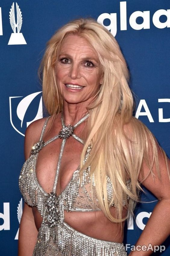 Khi các sao Hollywood trở thành những ông lão, bà lão
