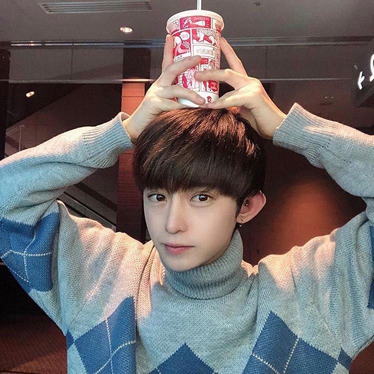 Lộ diện 12 trainee của Produce 101 phiên bản Nhật, netizen Hàn chê xấu đến cạn lời