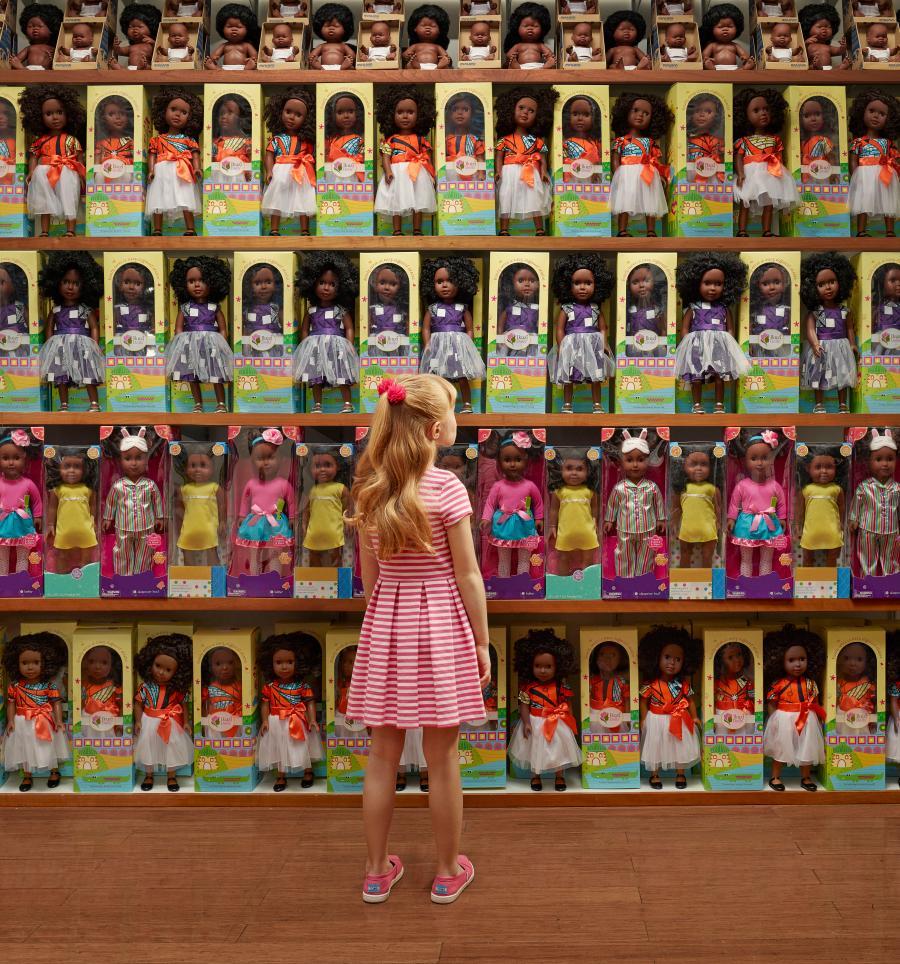 Bộ ảnh: Thế giới đảo chiều, giờ người da trắng mới lo sợ bị phân biệt chủng tộc