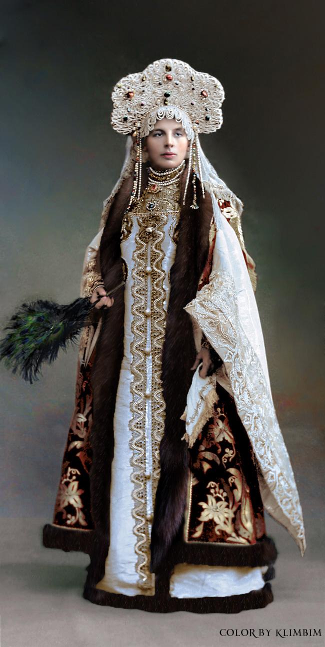 Ngây ngất trước những bức ảnh từ dạ tiệc hoàng gia nổi tiếng của vương triều Romanov