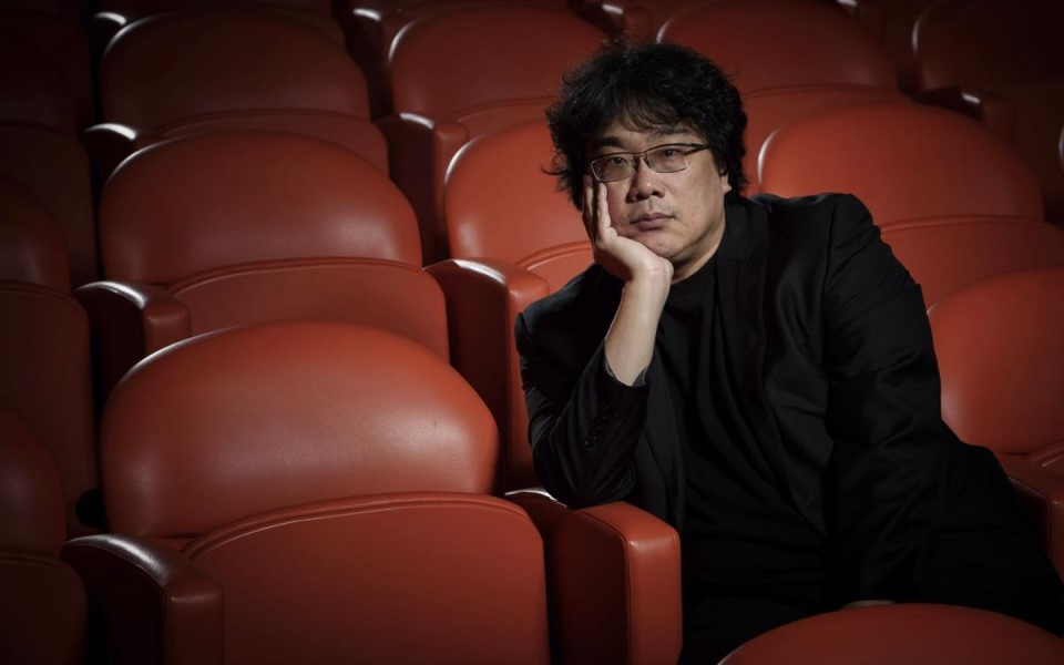 Đạo diễn Parasite 'cà khịa nhẹ' giải Oscar: 'Nó đâu phải là một LHP quốc tế'