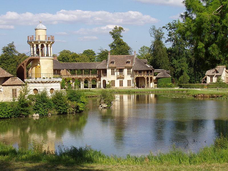 Ngôi làng giả là bằng chứng tội ác của Hoàng hậu Marie Antoinette với nhân dân Pháp