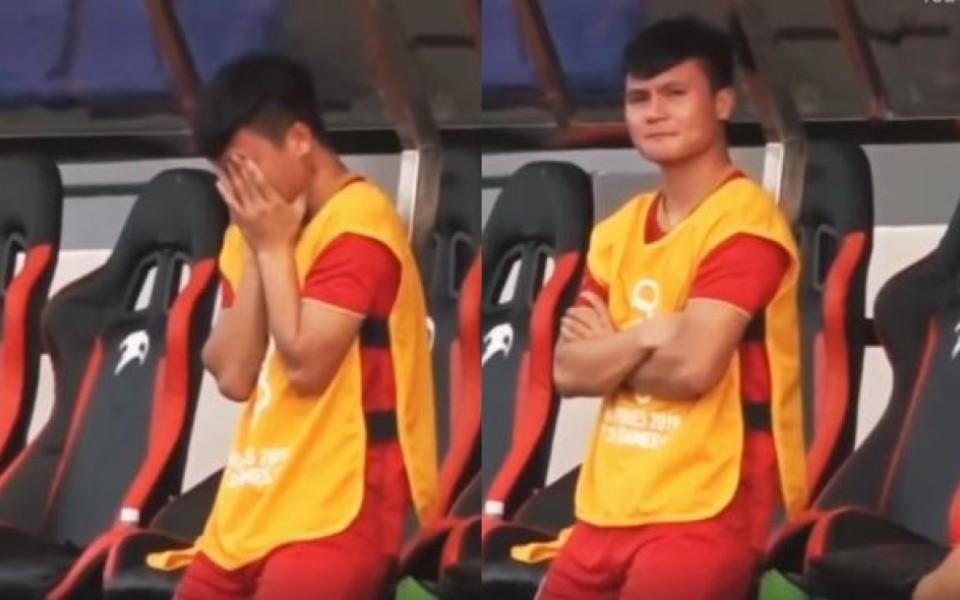 Quang Hải ôm mặt khóc khi phải ngồi trên băng ghế dự bị vì chấn thương
