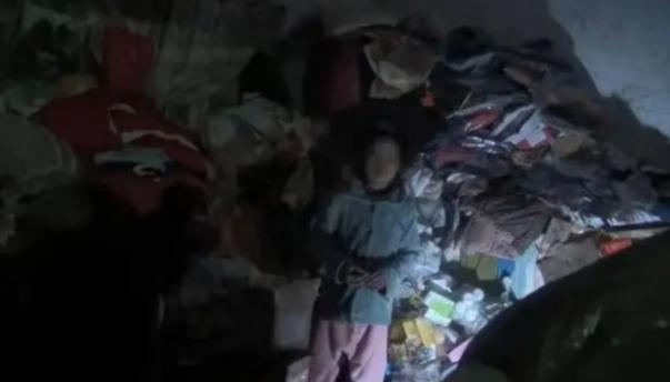 Giải cứu cậu bé ở Quảng Tây bị mẹ ruột giam trong nhà, suốt 9 năm không được thấy ánh mặt trời