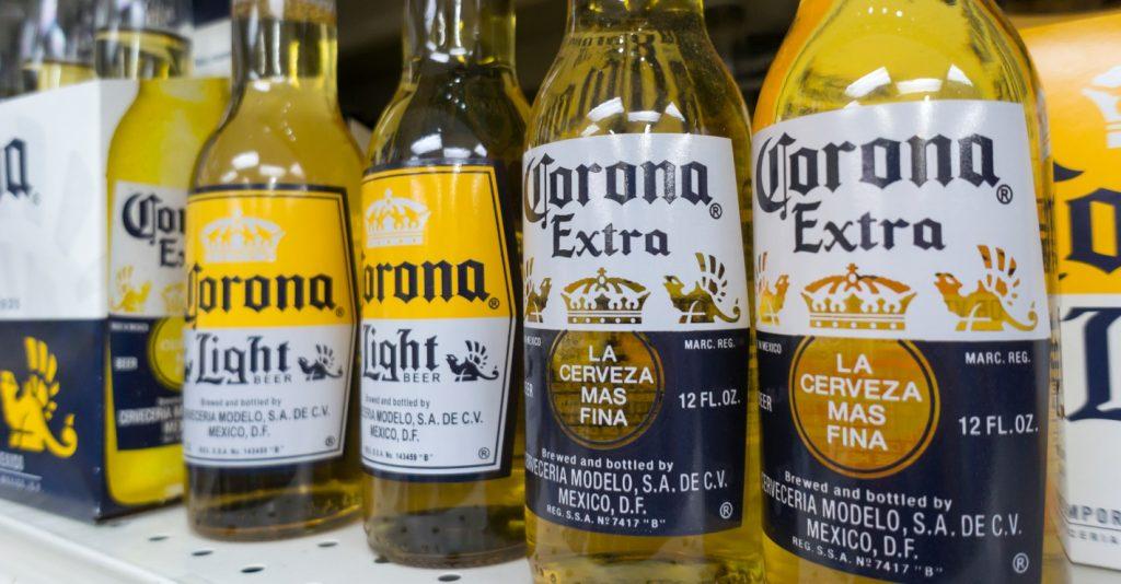 Giữa đại dịch virus corona, hãng bia Corona liên tục bị 'gọi hồn' vì trùng tên