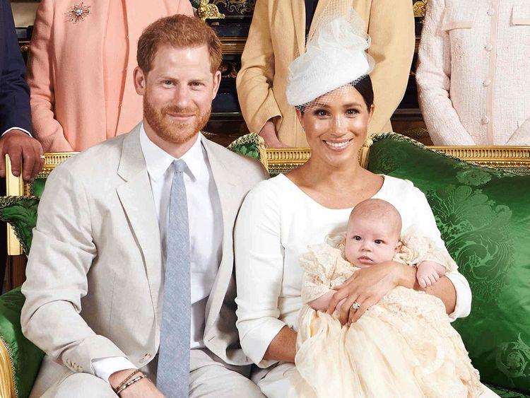 Khủng hoảng 'Megxit': Harry ngậm ngùi nghe lời vợ bởi ràng buộc đứa con chung