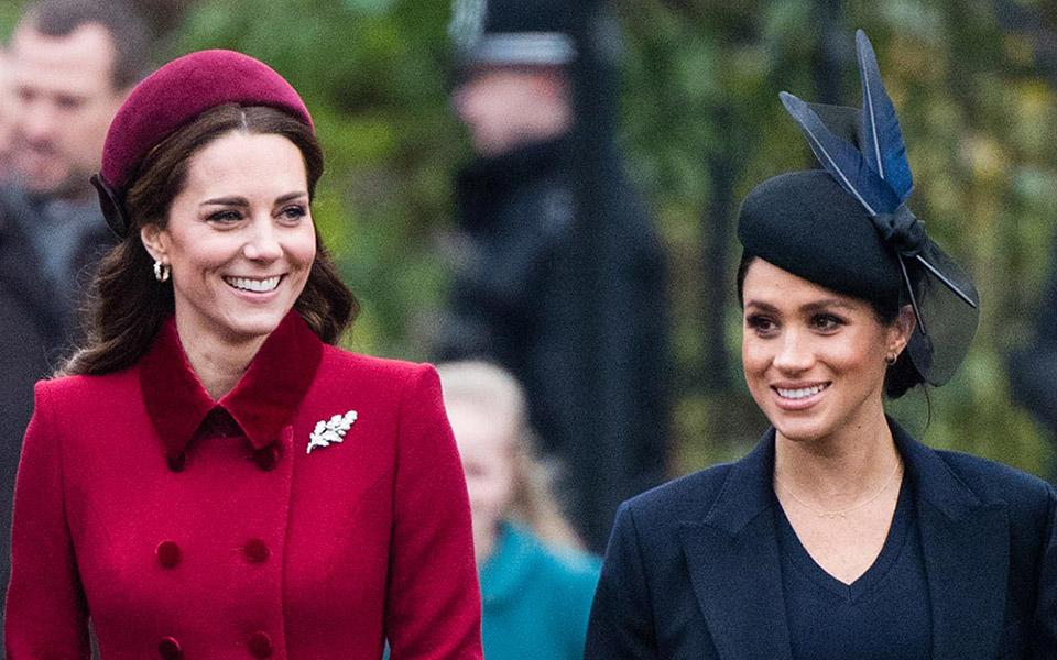 So sánh tít báo để thấy sự khác biệt trong cách truyền thông đối xử với Kate Middleton và Meghan Markle