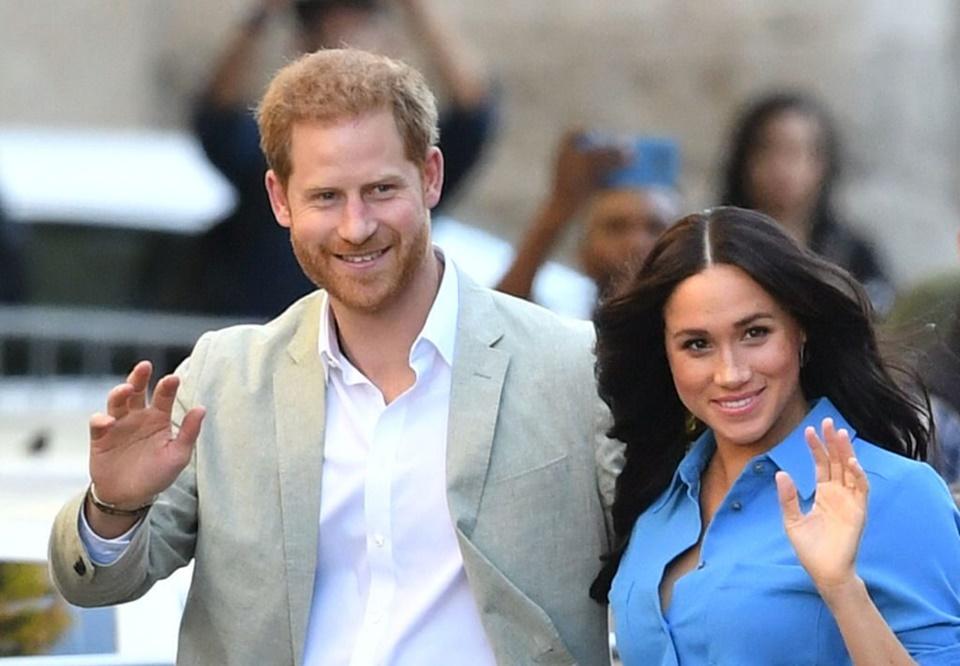 Meghan Markle lại 'tạo phốt' khi nói xấu nhà chồng lúc vừa mới rời khỏi gia đình Hoàng gia
