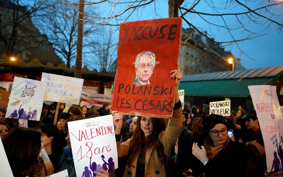 César Awards: Đạo diễn ô nhục Roman Polanski nhận giải Best Director, cả hội trường đứng lên bỏ về