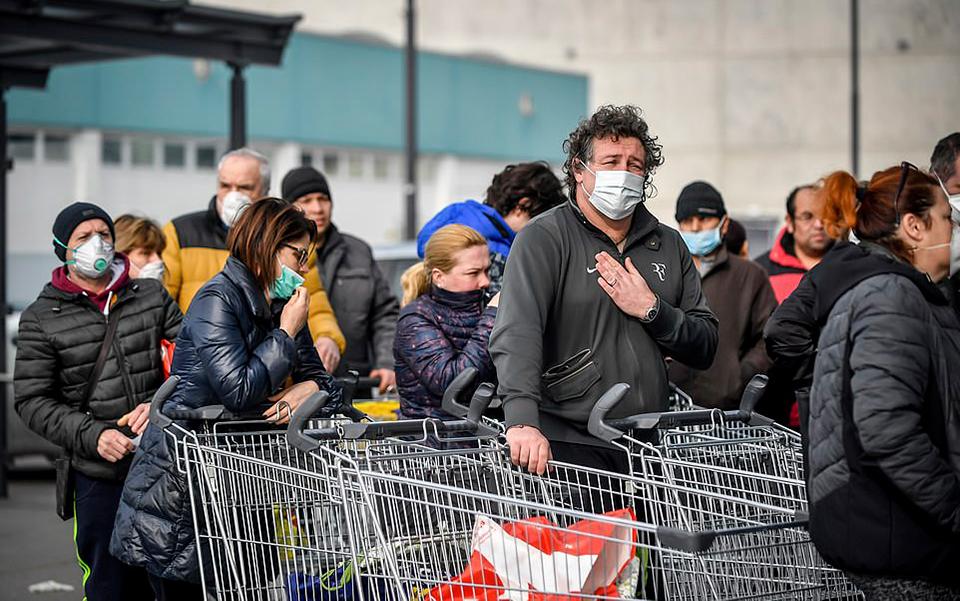 Ý đóng cửa tất cả hàng quán, từ chối chữa cho người già vì số người tử vong do Covid-19 tăng 31% chỉ trong 24 giờ