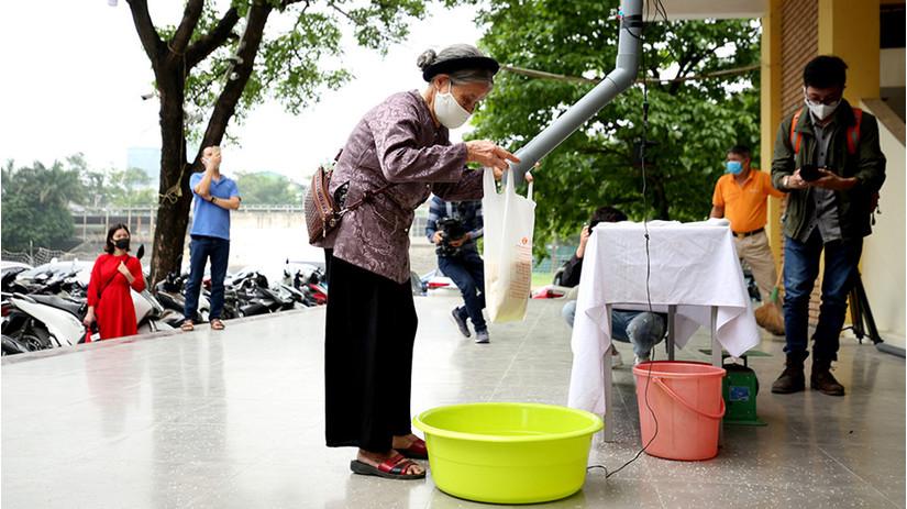 Chuyện về các cây ATM gạo khắp Việt Nam và lòng tốt của con người trong mùa dịch Covid-19