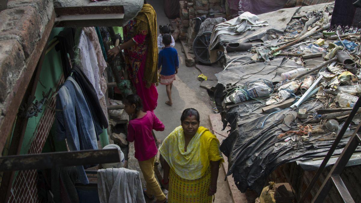 Chết đói trước khi chết vì bệnh - thảm cảnh của dân nghèo Ấn Độ giữa thời COVID-19