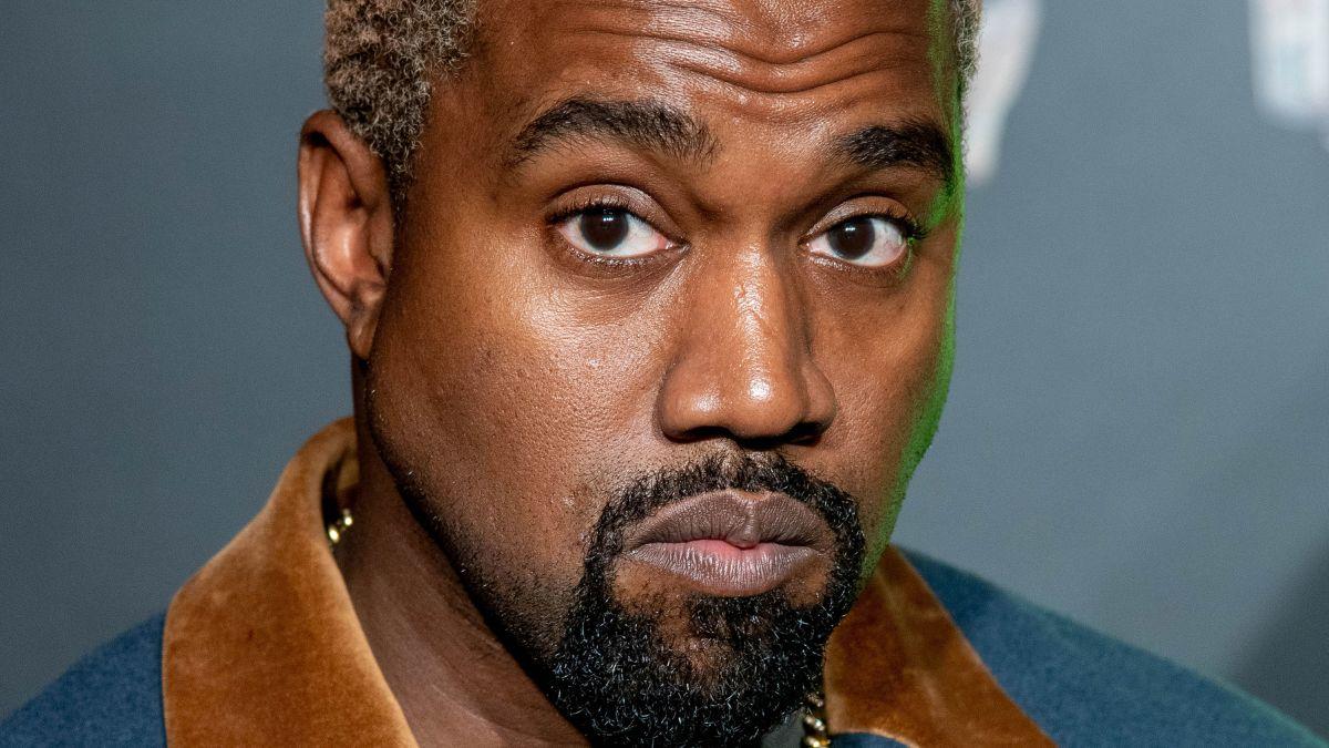 Sau Kylie Jenner, Kanye West chính thức được Forbes xác nhận là tỉ phú 'đô la Trump'