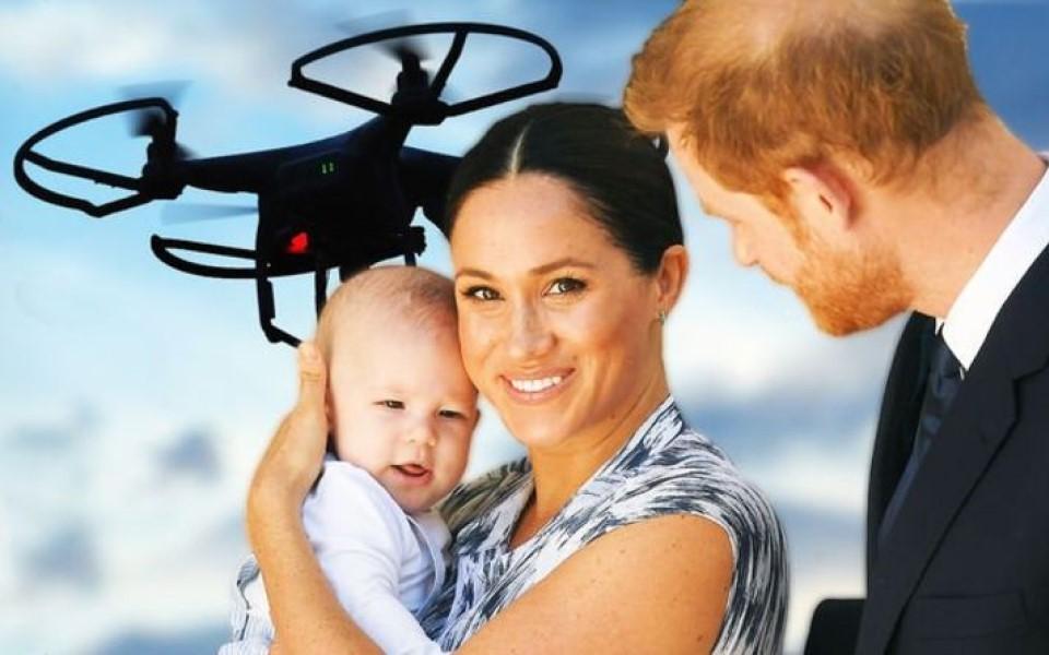 Harry và Meghan chi gần 200 triệu đồng/ngày thuê vệ sĩ vì lo paparazzi rình rập, con trai bị flycam chụp lén