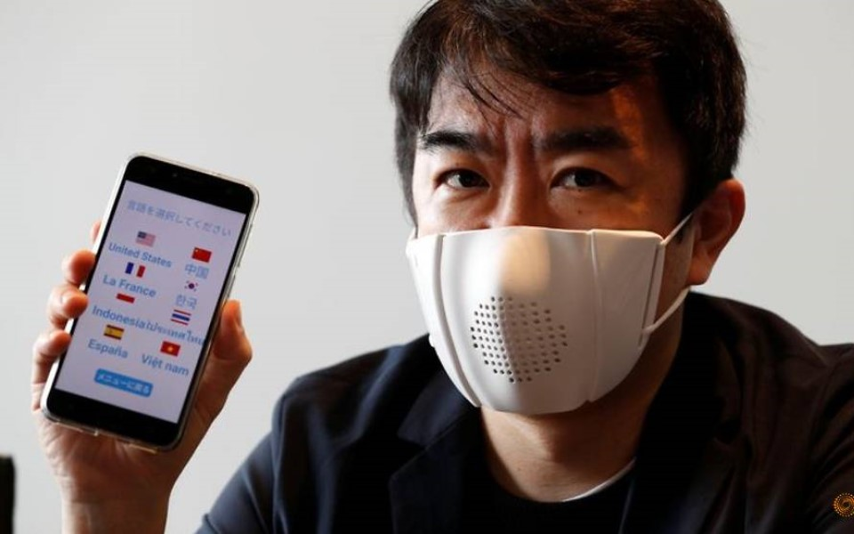 Nhật Bản ra mắt khẩu trang thông minh vừa phòng Corona virus vừa dịch 8 ngôn ngữ, có cả tiếng Việt