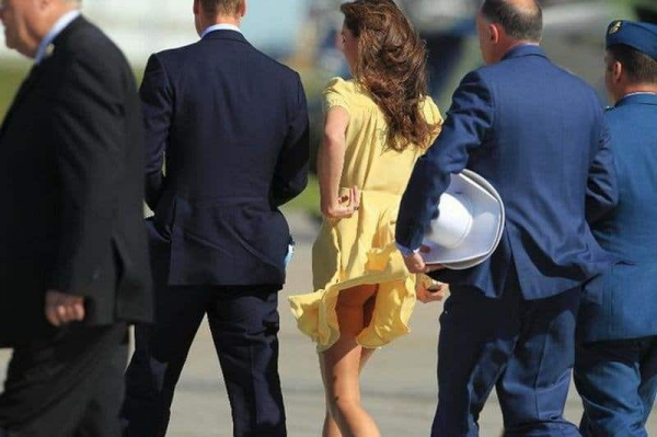 10 awkward ways the queen is mad with kate middleton 10