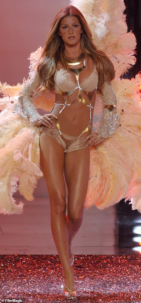 6757298 6438581 popular it s the age of the victoria s secret angel cassey said a 3 1543435107613