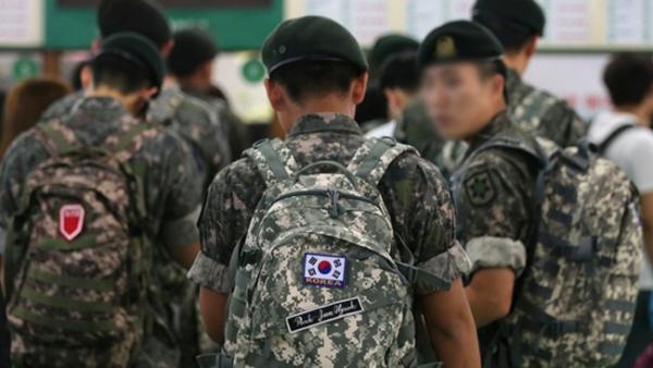 Người lính mất cả gia đình sau khi họ tới thăm anh trong quân ngũ