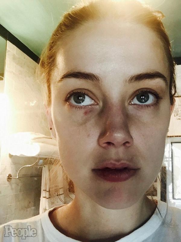 Johnny Depp tố Amber Heard tội ngoại tình và phỉ báng chồng, yêu cầu bồi thường 50 triệu USD