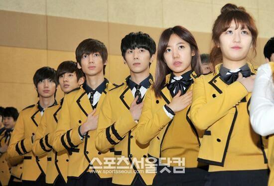 idol idol sopa sekolah impian para fangirl kpop jfgvdf
