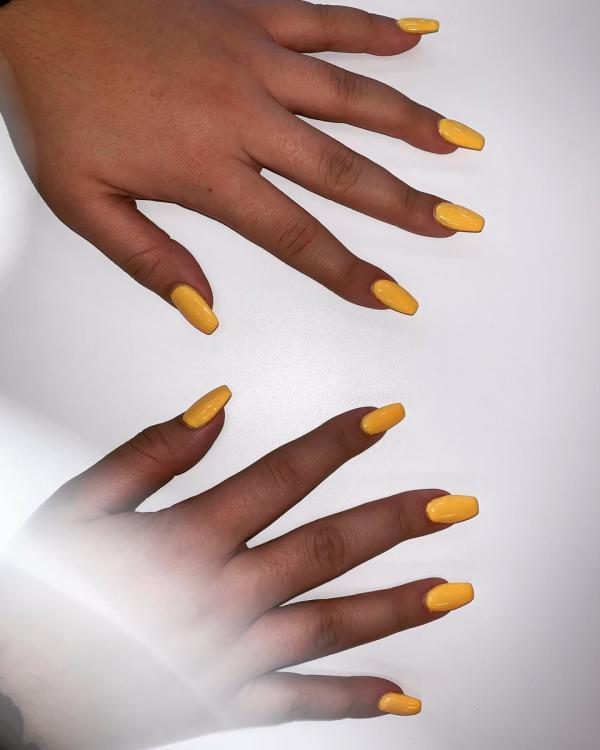 Hoá ra đằng sau những hình dáng, màu sắc của bộ móng tay của chị em đều ẩn chứa ý nghĩa riêng