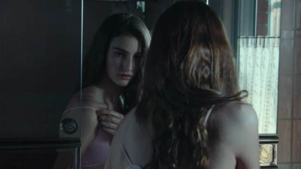 Câu chuyện ngoài đời còn kinh hoàng hơn phim 'Verónica' của Netflix
