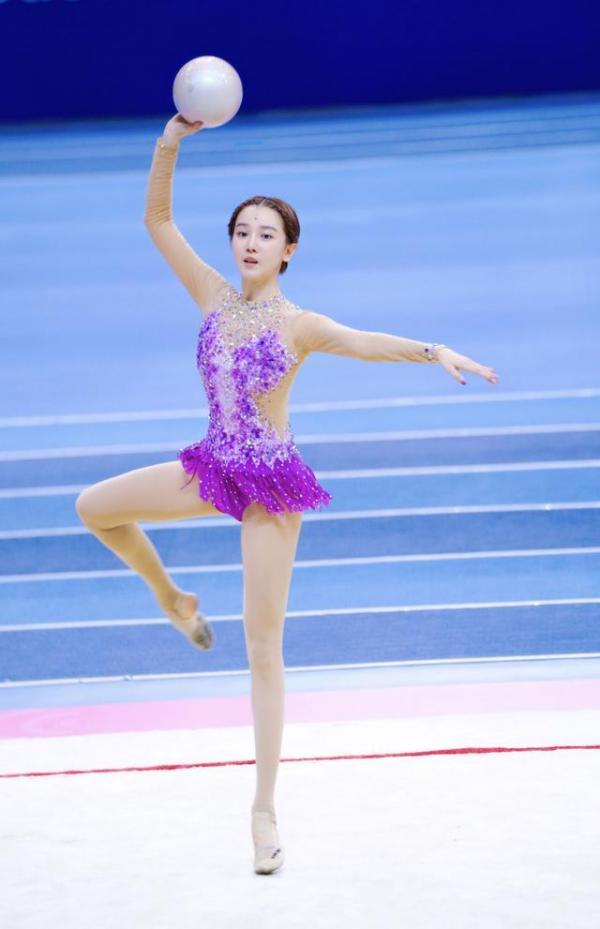 Nữ vận động viên bơi lội bị làm mờ khi lên sóng truyền hình chỉ vì... thân hình quá đẹp