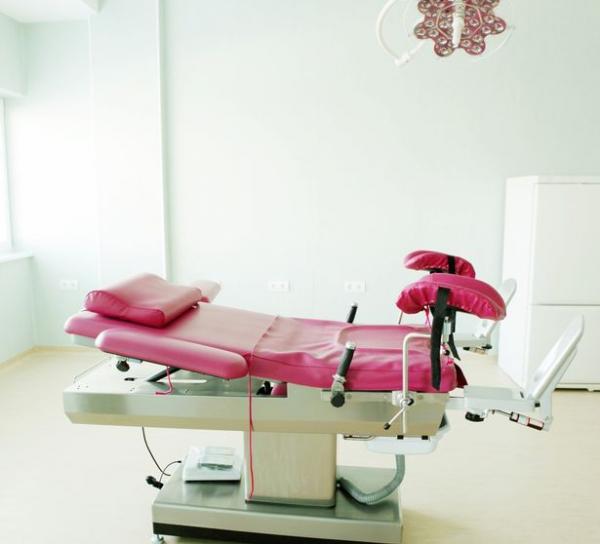 Bạn gái cũ phá thai mà không báo trước, thanh niên Mỹ 'nóng máu' kiện cả cơ sở phá thai