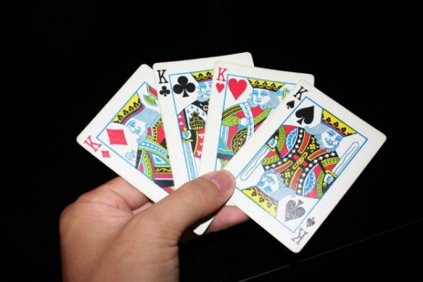 1280px king playing cards 640x427