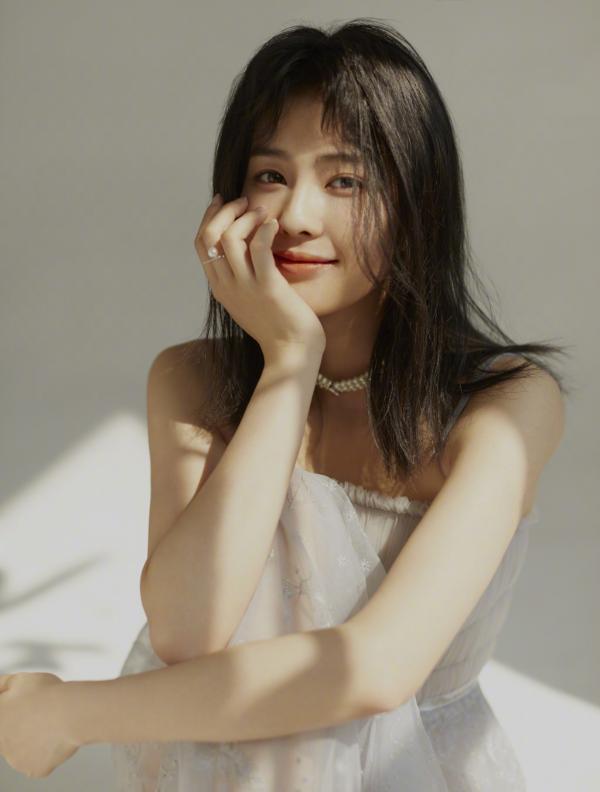 Bạch Lộc: Mê làm idol, thi tuyển SM nhưng bị đánh trượt và con đường trở thành 'gà cưng' Vu Chính