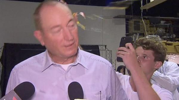 Thượng nghị sĩ bị ném trứng vào mặt vì đổ lỗi vụ xả súng tại NZ là do người Hồi Giáo nhập cư