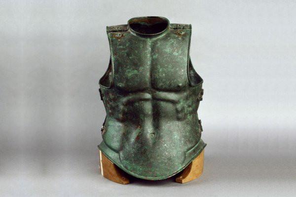 Trang phục Hy Lạp Cổ dù có 'xuyên không' đến thời hiện đại thì vẫn hợp mốt như thường