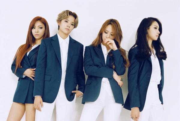 Từ bao giờ, cụm từ 'chia tay nhưng không tan rã' lại khiến cho fan K-Pop mệt mỏi và rối bời đến vậy