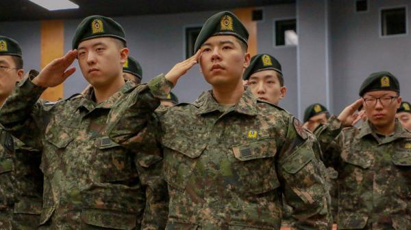Chuyện khó tin: Một binh sĩ Hàn Quốc liều lĩnh đào ngũ để trốn đi xem 'Avengers: Endgame'