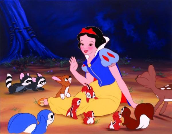 Tuổi thơ có Disney vì đã lược bỏ những yếu tố ghê rợn trong bản gốc 'Nàng Bạch Tuyết và Bảy Chú Lùn'